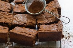 A simple Gluten-free chocolate fudge brownies recipe for you to cook a great meal for family or friends. Buy the ingredients for our Gluten-free chocolate fudge brownies recipe from Tesco today.