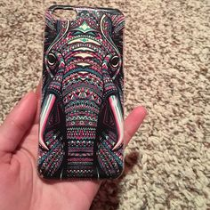 Elephant iPhone 5s & 5c phone case. Gently used. In great condition. Accessories Phone Cases