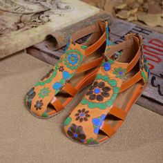 SOCOFY Flower Print Leather Hollow Out Strappy Zipper Sandals