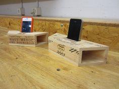 iPhone amplifier with resonance box. Dremel Tool Projects, Wooden Projects, Wooden Crafts, Projects To Try, Dremel Werkzeugprojekte, Diy Phone Stand, Pallette, Wooden Speakers, Speaker Box Design