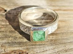 A bright shot of our 1.25 carat Emerald Ring in 925 Silver  Price : $237.79 http://www.americanexportimport.com/1-25-carat-Emerald-Ring-Silver/dp/B00JYMKEK6