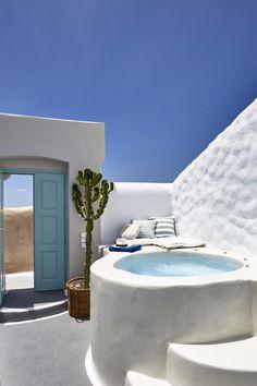 Oikos Architecture - Building Wonders since 1970 in Santorini Santorini Villas, Santorini House, Santorini Greece, Mykonos, Greek House, Pool Designs, Jacuzzi, Interior Architecture, Architecture Portfolio