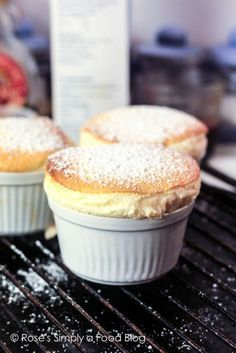 Vanilla Souffle Recipes, Souffle Recipe Dessert, Souffle Recipes Easy, Best Souffle Recipe, Custard Recipes, Fancy Desserts, No Cook Desserts, Just Desserts, Delicious Desserts