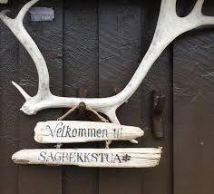Bilderesultat for hytteskilt velkommen Clothes Hanger, Cabin, Decor, Coat Hanger, Decoration, Clothes Hangers, Cabins, Cottage, Decorating
