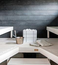 Sauna kuuluu suomalaiseen kotiin. Katso, millaisia ratkaisuja asuntomessutalojen saunoista löytyi tänä vuonna ja äänestä suosikkiasi. 1. Lumivalko ja pikimusta. Valkoiseksi kevyesti sävytetyt lauteet...
