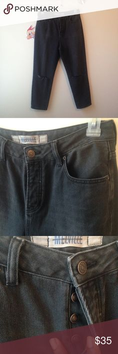 """Brandy Melville charcoal jeans Brandy Melville dark gray/ charcoal ripped knee jeans. Size 29"""". I cannot try on (hips were too wide 44"""") so better for anyone who has smaller hips. Never been worn out! Only tried on and threw the tag away (NWOT) buttons up instead of a zipper. Looks a bit high waisted. Tags: ISO pacsun sale in search wish wishlist Brandy Melville Pants Straight Leg"""