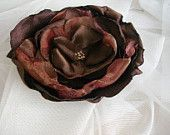Rolled Fabric Flowers, Fabric Roses, How To Make Headbands, Blouse And Skirt, Flower Applique, Flower Crafts, Owls, Hair Pins, Hand Sewing