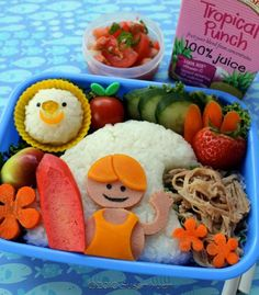 from the very talented susanyuen. The surfer dude lunch is too cute. Cute Food, Good Food, Cute Bento, Recipe Filing, Creative Desserts, Bento Box Lunch, Food Humor, Kid Friendly Meals, Food Art