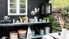 sådan laver du et udekøkken på budget - Pernille Enoch Kitchen Island, Kitchen Cabinets, Hygge, Garden Inspiration, Budgeting, Sweet Home, Outdoor, Home Decor, Recherche Google