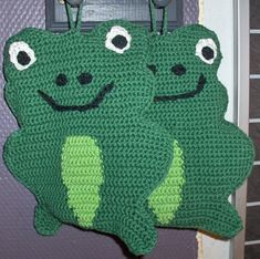 These are new and handmade by me. I have made these in yarn that is cotton. They are also double, backside is in singel color green. Comes from a smoke and pet free home. Christmas Owls, Christmas Decorations, Crochet Frog, Crochet Potholders, Green Frog, Pot Holders, Kitchen Decor, Amazon, Pets