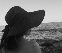 Seaside summer vacation look by @yuseiferlia