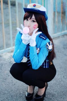 Officer D.Va from Overwatch Cosplay
