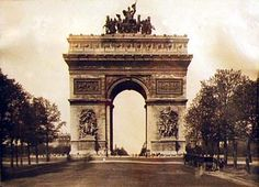 #Travelspot - Arc de Triomphe - #travel #France #ttot #arcdetriomphe