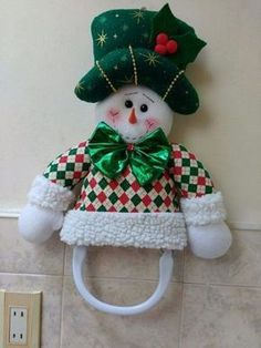 Stephy García Ferrer's media content and analytics Christmas Elf Doll, Christmas Sewing, Primitive Christmas, Christmas Stockings, Christmas Crafts, Xmas, Victorian Christmas Decorations, Christmas Tree Toppers, Doily Patterns