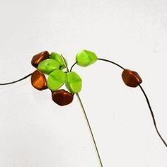 """Fotonávod na kytičkový modul, který tvoří základ """"skládačky"""" pro kytičkovou maxi kouli z pohanky.   Photo tutorial for Pinch-bead Flower D..."""