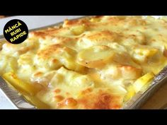 CARTOFI CU CASCAVAL SI OUA LA CUPTOR - YouTube Quick Easy Meals, Cheeseburger Chowder, Lasagna, Macaroni And Cheese, Breakfast Recipes, Bacon, Food And Drink, Soup, Cooking