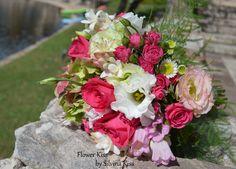 Ramo de bodas con rosas y lishiantus