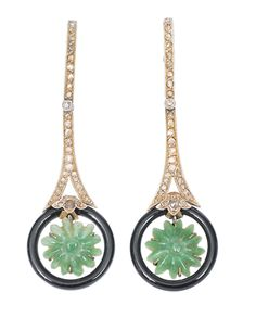 A pair of Art-déco diamond earpendants with onyx and chrysroprase -