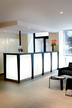 Réception du New Hotel Saint Lazare Entryway Tables, Patio, Cabinet, Storage, Furniture, Home Decor, Clothes Stand, Purse Storage, Decoration Home