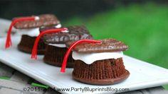 Cupcakes estilo S'more con Birrete de Graduado