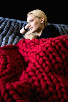 Chunky knit blanket, giant yarn, throw - wrap, arm knit from 100% merino wool, extra warm chunky blanket, different colors & sizes
