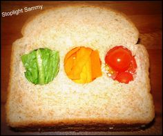 This is a clever idea - The stoplight sandwich Light Sandwiches, Sandwiches For Lunch, Packing School Lunches, Healthy Food, Healthy Recipes, Tasty, Yummy Food, Looks Cool, Lunch Ideas