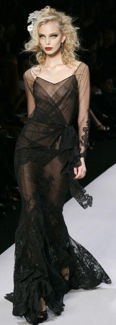 Christian Dior Another gorgeous black dress Fashion Moda, High Fashion, Fashion Show, Fashion Design, Fashion Details, Beautiful Gowns, Beautiful Outfits, Beautiful Beautiful, Couture Fashion