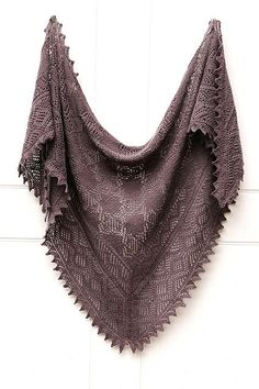 Ravelry: jewelandarlin's the grey one - pattern Olga's Indiski (Indian) Shawl to Knit