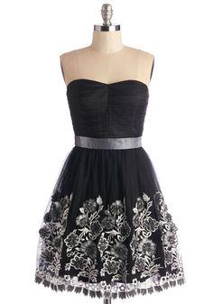 love this strapless dress