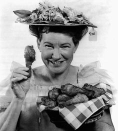 """Minnie Pearl became a cast member of the Grand Ole Opry in 1940. Some of her trademarks were the price tag dangling from her hat and her stage entrance hollering """"How-DEE."""""""