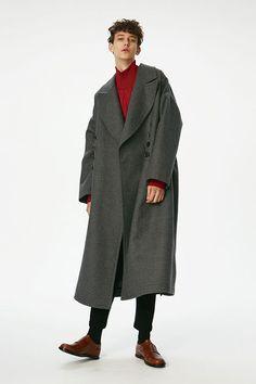 Kpop Fashion Outfits, Fashion Poses, Love Fashion, Korean Fashion, Winter Fashion, Mens Fashion, Stylish Men, Latest Fashion Trends, Menswear