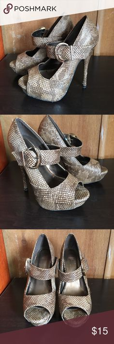 Snake Skin High Heels 🥀 They're not made from actual snake skin but have the print style ☺️. I only wore them once to my graduation ☺️ Shoes Heels