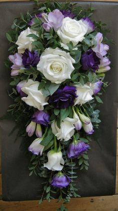 roses, freesia & lisianthus
