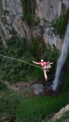 Fun Places To Go, Beautiful Places To Travel, Parkour, Crazy Things To Do With Friends, Dream Vacations, Dream Vacation Spots, Wow Video, Beautiful Nature Scenes, Bungee Jumping