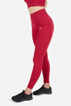 Famme - Women's Sportswear for the Gym, Yoga and Running Mean Women, Gymshark Flex Leggings, Running Leggings, Sporty Chic, Seamless Leggings, Athletic Outfits, Dark Red, Outfits For Teens, Fitness Fashion
