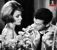 ΜΑΙΡΗ ΧΡΟΝΟΠΟΥΛΟΥ-ΑΛΕΚΟΣ ΑΛΕΞΑΝΔΡΑΚΗΣ ΧΩΡΙΣ ΤΑΥΤΟΤΗΤΑ 1962 Classic Movies, Actors & Actresses, Che Guevara, Greek, Cinema, Couple Photos, My Love, Couples, Goddesses