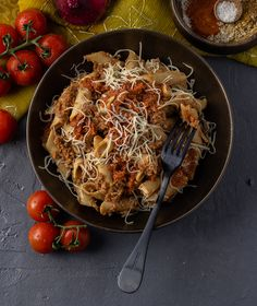 Whole-wheat penne pasta, tossed in a slow-cooked rich tomato beef Bolognese, topped with delicious Kefalotiri cheese. Order online www.fitchef.co.za Penne Pasta, What You Eat, Bolognese, Tossed, Japchae, Slow Cooker, Beef, Cheese, Cooking