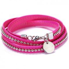 """Das Neon-Armband """"Ely Rocks"""" in Pink von dem IT-Label Beka & Bell zaubert eine schrilles Farbenspiel an dein Handgelenk. Neonfarben kombiniert mit einer filigranen Kugelkette rocken den Frühling!"""