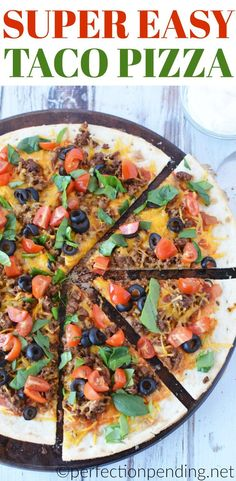 This easy taco pizza