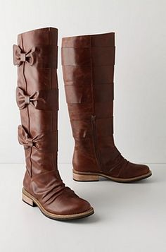 not even an option, i have to have these! bow boots <3