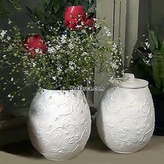 Evde kendinize farklı malzemeler ile Alçı görünümlü Kartonpiyer bir Vazo yapmak ister misiniz? Gazete kağıtları ve Balon kullanarak yapacağımız El Yapımı Vazo resimli olarak tek,tek adım,adım yapıl…