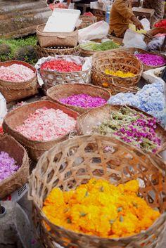 Flower petals for offerings in Ubud, Bail Ubud Indonesia, Flower Petals, Flowers, Bali Travel, Royal Icing Flowers, Flower, Florals, Floral, Blossoms