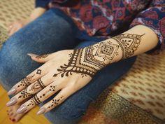 Possibility of improvisation in the creation of mehendi paterns is what I love most in this art ♡♥♡♥ Henna+jagua  #mehendi #mehendilove #mehendiart #henna #hennatattoo #hennaart #henné #mehendipoland #mehendiwarszawa #bodyart #7enna #passion #mehendinight #mehendimasala #indianstyle #indiagram #naturalhenna #mehndi #art_4share #artproject #jagua #freshjagua #polishfolk #creation