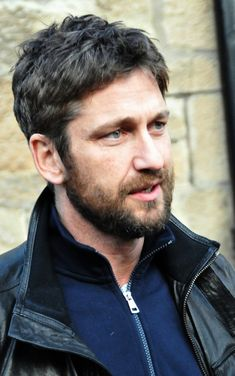 """Gerard Butler! Want to meet him so bad. From """"Phantom of the Opera"""", """"P.S. I Love You"""", """"300"""", """"The Ugly Truth"""", and many more!"""