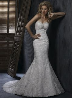 Sweetheart Trumpet / Mermaid Ruffle Lace bridal gown