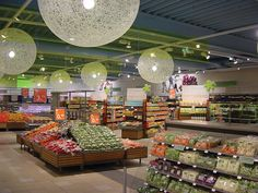 C1000 Supermercado #retail #windows #vitrines #vitrinas #escaparates #visualmerchandising Pineado por Pilar Escolano