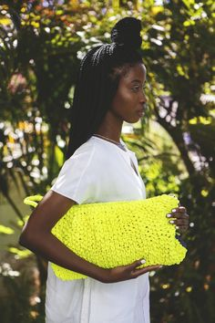 Lulu K creates a range of contemporary African handmade bags and accessories made from cabling, ornate twines and chainettes.