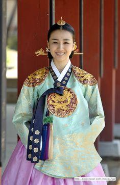 Korean Hanbok, Korean Dress, Korean Traditional Dress, Traditional Dresses, Geisha, Cinderella Cosplay, Dong Yi, Beautiful Costumes, Tik Tok