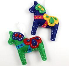 Dala Horse Felt Ornaments by lovahandmade (via Etsy).