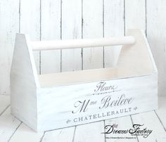 Dreams Factory: French & Shabby Vintage tool box - crate vintage French & Shabby